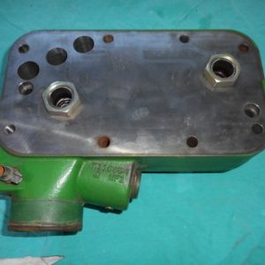 R515255 RE500657 HOUSING AND OIL COOLER.2 (Small)